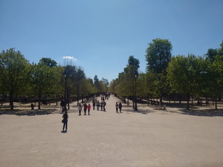 A vast piece of land with parks, cafes and carousals... one side leading to Musée du Louvre and other to Tour Eiffel